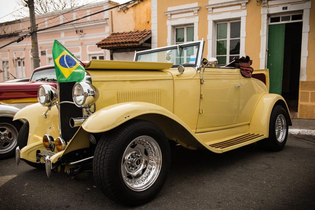 """""""Chevrolet"""" — 13º Show de Autos Antiguos en Santana de Parnaíba, Brasil, 2014"""