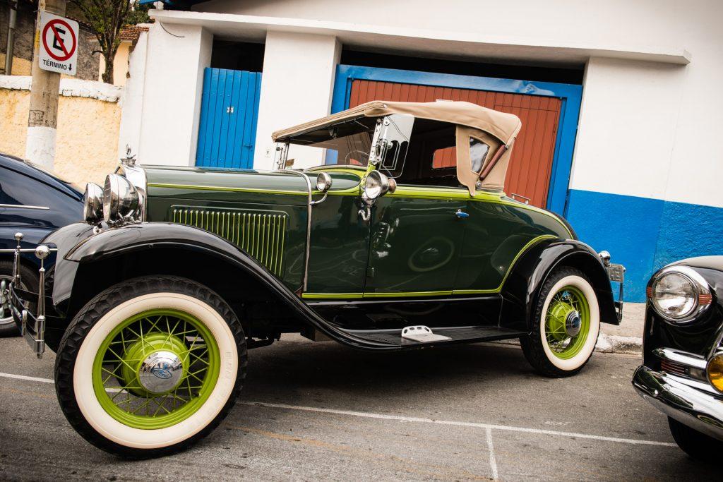 """""""Ford"""" — 13º Show de Autos Antiguos en Santana de Parnaíba, Brasil, 2014"""
