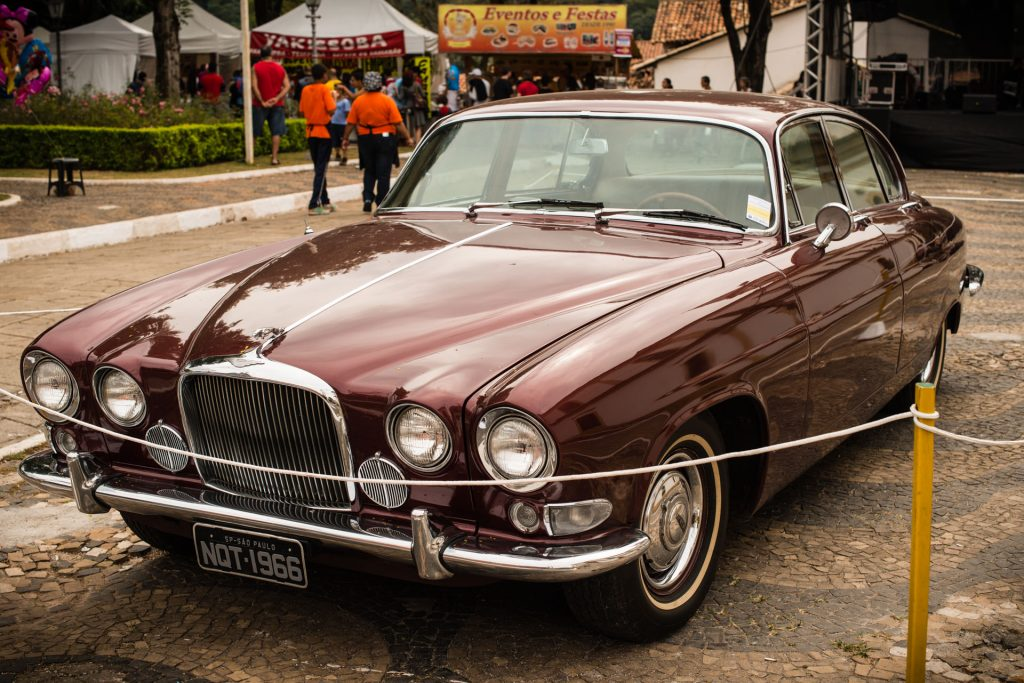 """Jaguar"" — 13º Show de Autos Antiguos en Santana de Parnaíba, Brasil, 2014"